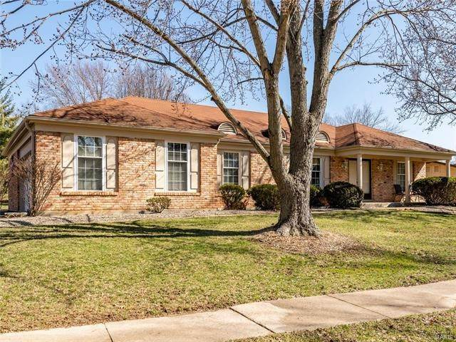 Single Family Homes at 1552 Woodroyal West Drive Chesterfield, Missouri 63017 United States