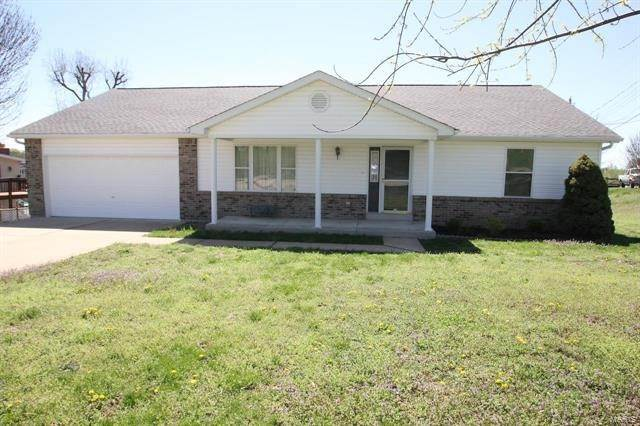Single Family Homes at 11638 Old Saint Charles Bridgeton, Missouri 63044 United States