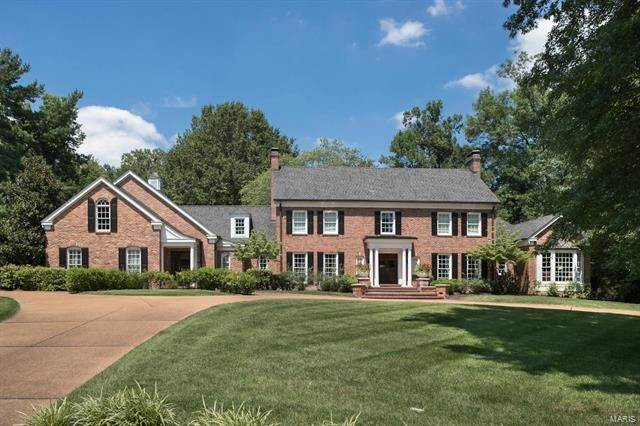 Single Family Homes at 4 Bridle Creek Road Ladue, Missouri 63124 United States