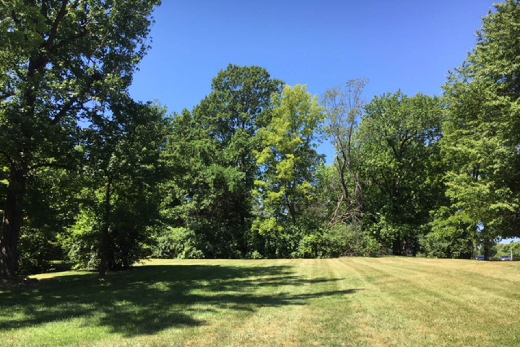 7. Land for Sale at 18 Sona Lane Creve Coeur, Missouri 63141 United States