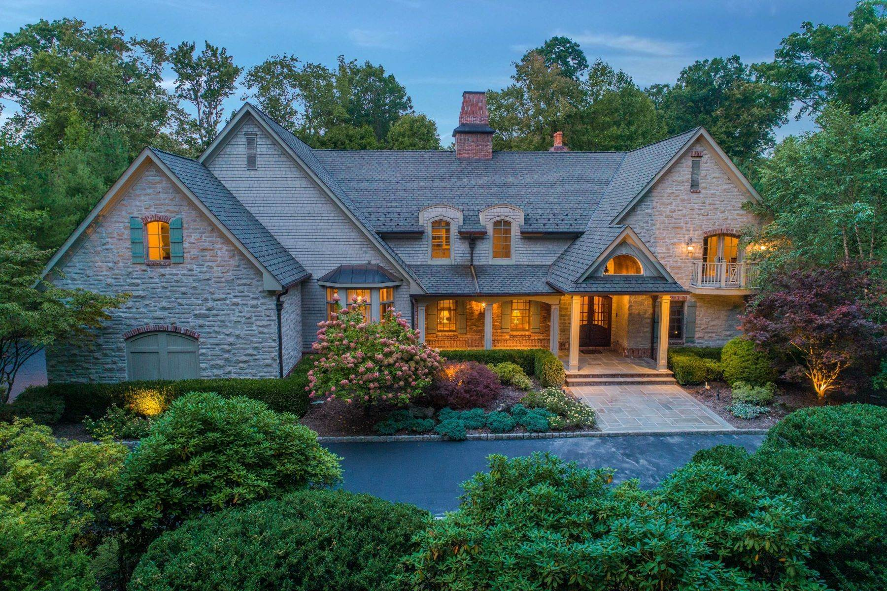 Single Family Homes for Sale at Stunning Estate 55 Anona Dr Upper Saddle River, New Jersey 07458 United States