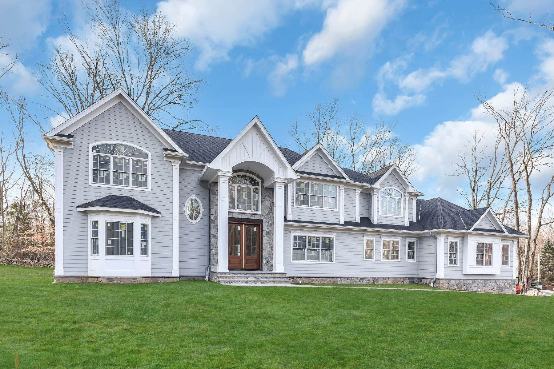 Single Family Homes for Sale at FABULOUS NEW CONSTRUCTION 24 Robin Ridge Rd Upper Saddle River, New Jersey 07458 United States
