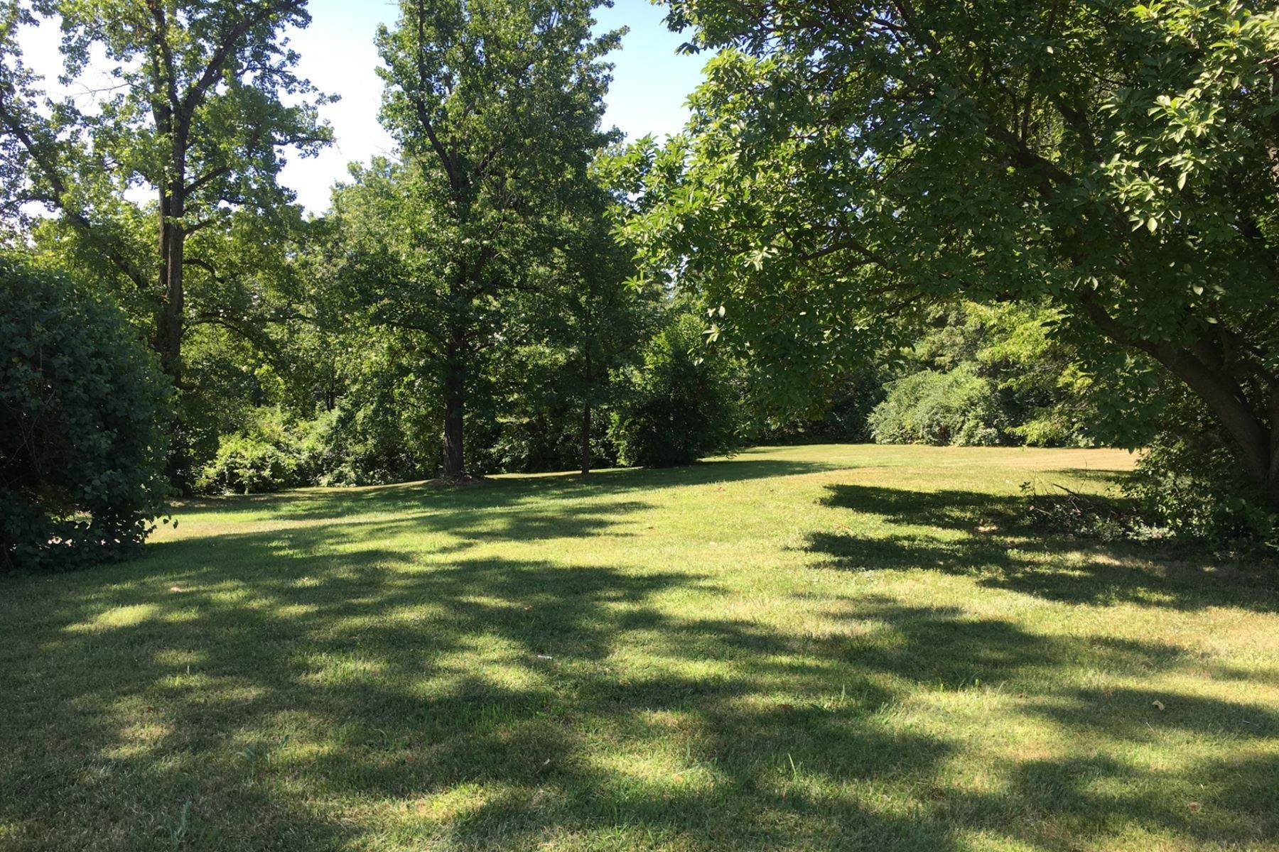 2. Land for Sale at 18 Sona Lane Creve Coeur, Missouri 63141 United States
