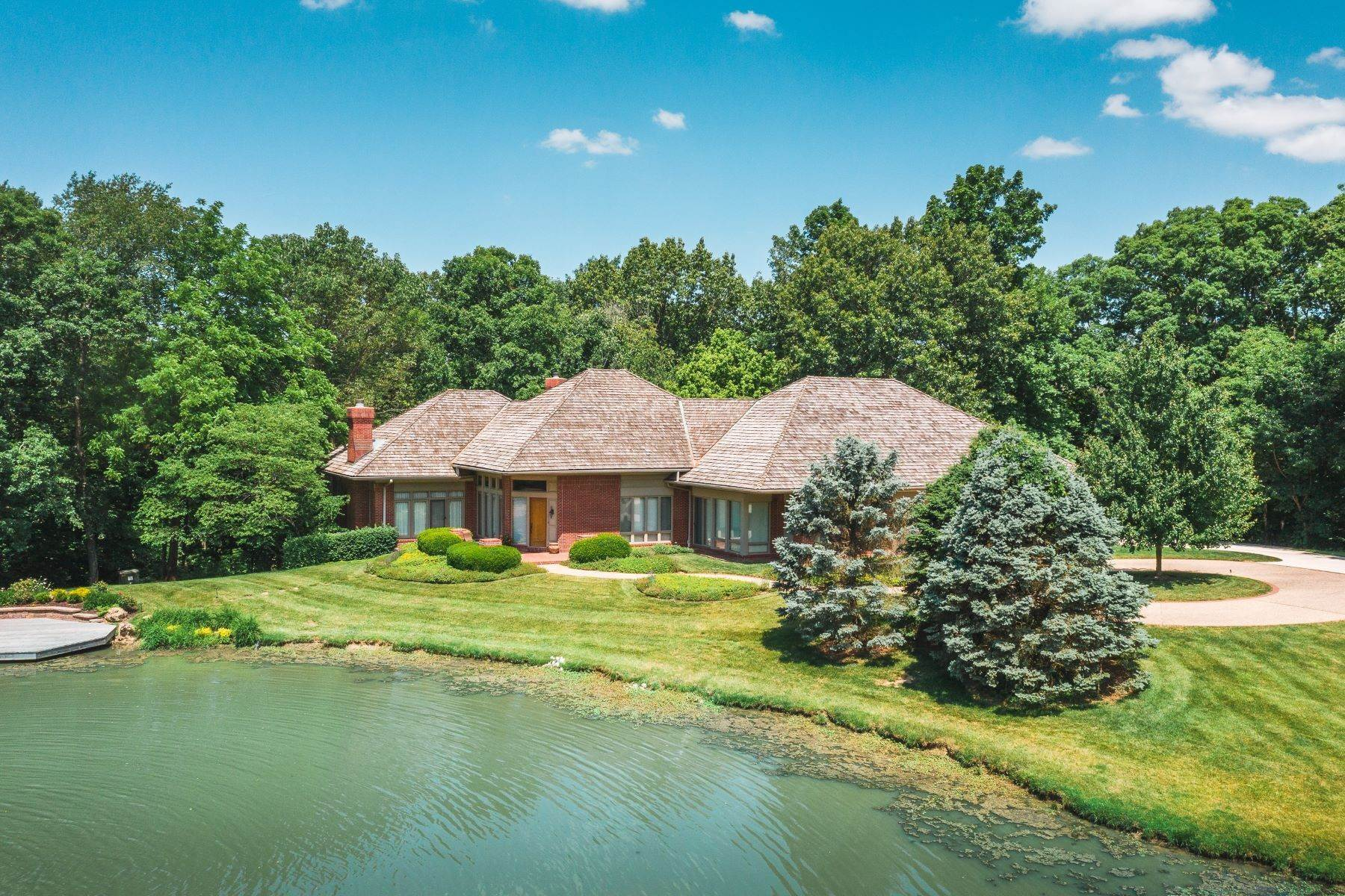 Single Family Homes at Exceptionally Maintained Custom Home on More Than 20 Acres 4900 Manitou Trail Godfrey, Illinois 62035 United States