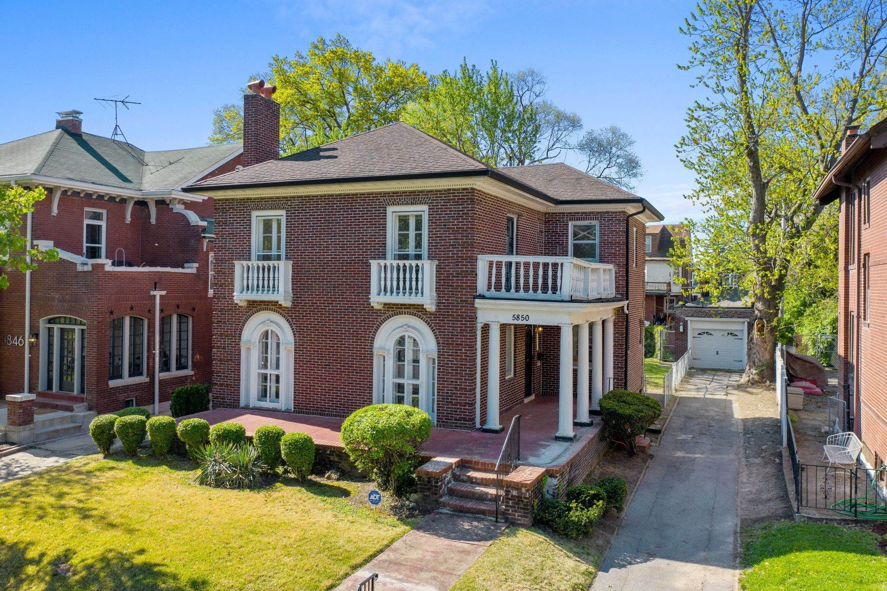 Single Family Homes for Sale at Centrally Located Historic Home 5850 Waterman Boulevard St. Louis, Missouri 63112 United States
