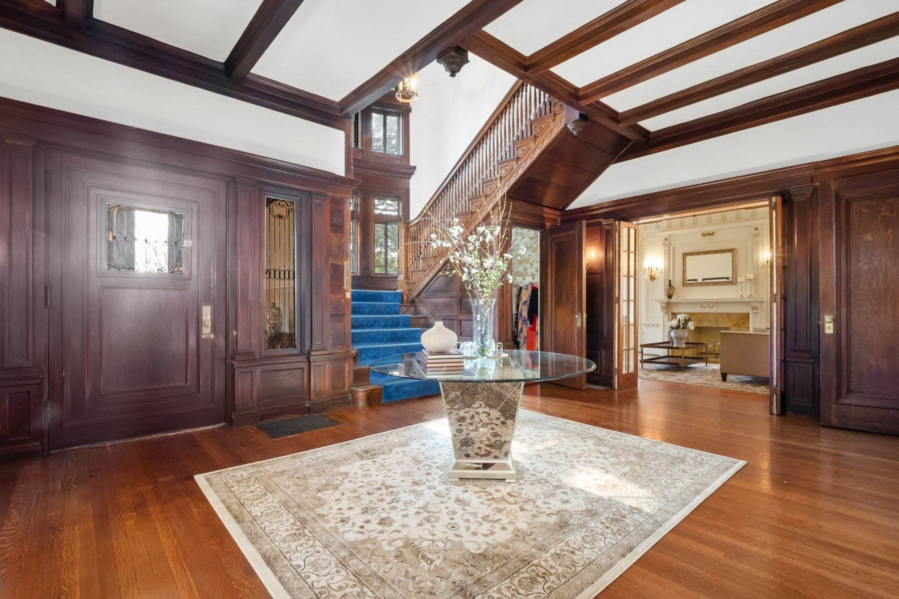 6. Single Family Homes for Sale at Central West End Manse 25 Westmoreland Place St. Louis, Missouri 63108 United States