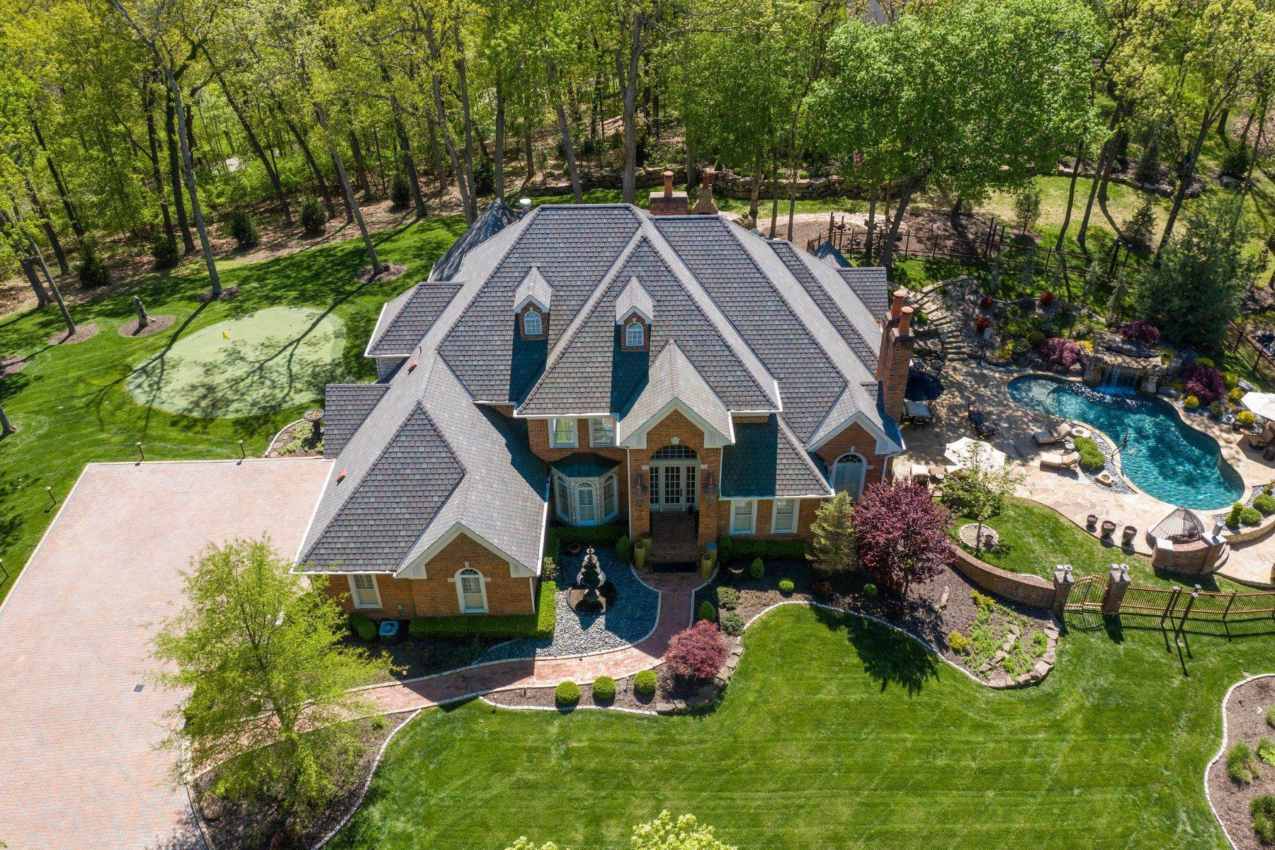 49. Single Family Homes for Sale at Executive Estate Nestled on Almost 4 Private Acres in Wildwood 18040 Panorama Drive Wildwood, Missouri 63038 United States