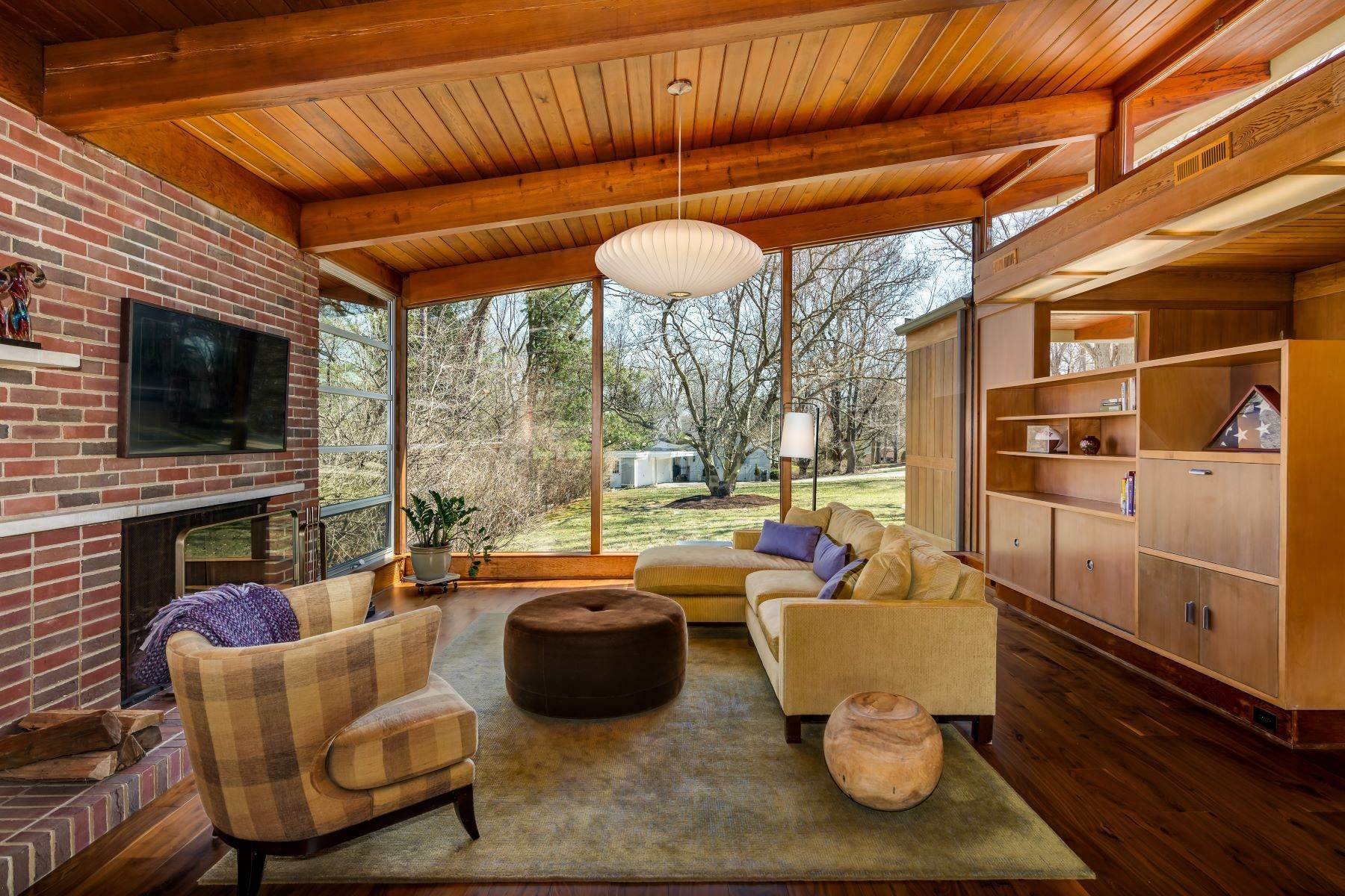 5. Single Family Homes for Sale at The Harry Hammerman House, an Important Mid-Century Masterpiece 219 Graybridge Road St. Louis, Missouri 63124 United States