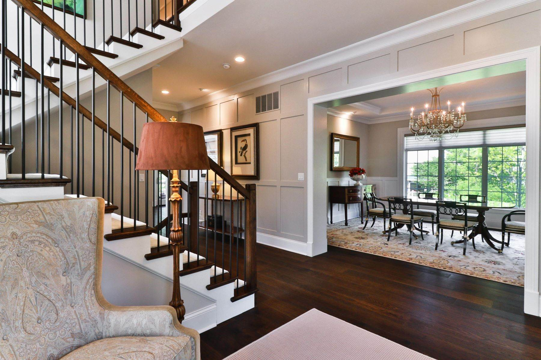 39. Single Family Homes for Sale at Luxury Living in Clayton Gardens 8044 Lafon Place University City, Missouri 63130 United States