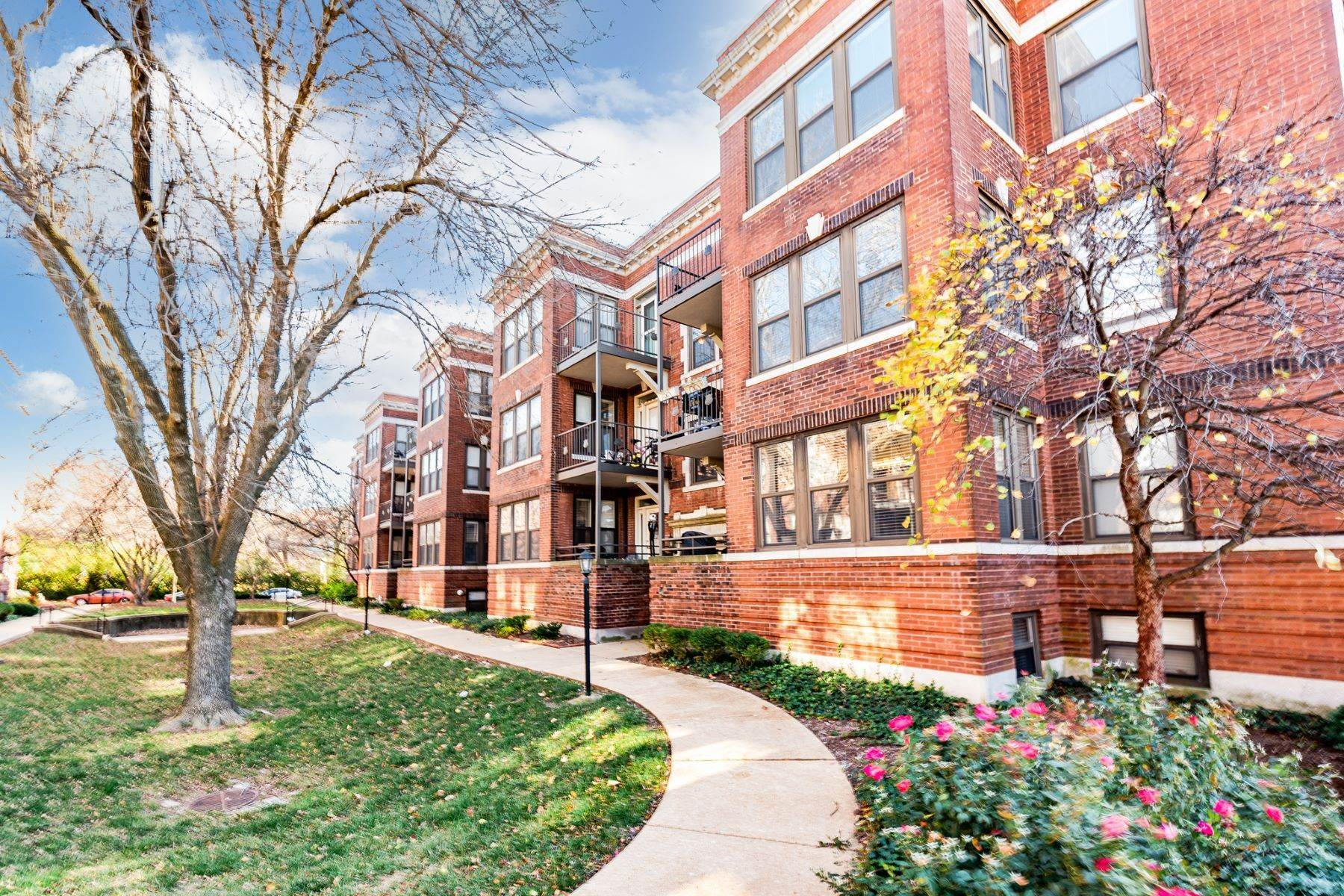 Condominiums for Sale at Historic Charming Condo in CWE 609 Clara Avenue, #15 St. Louis, Missouri 63112 United States