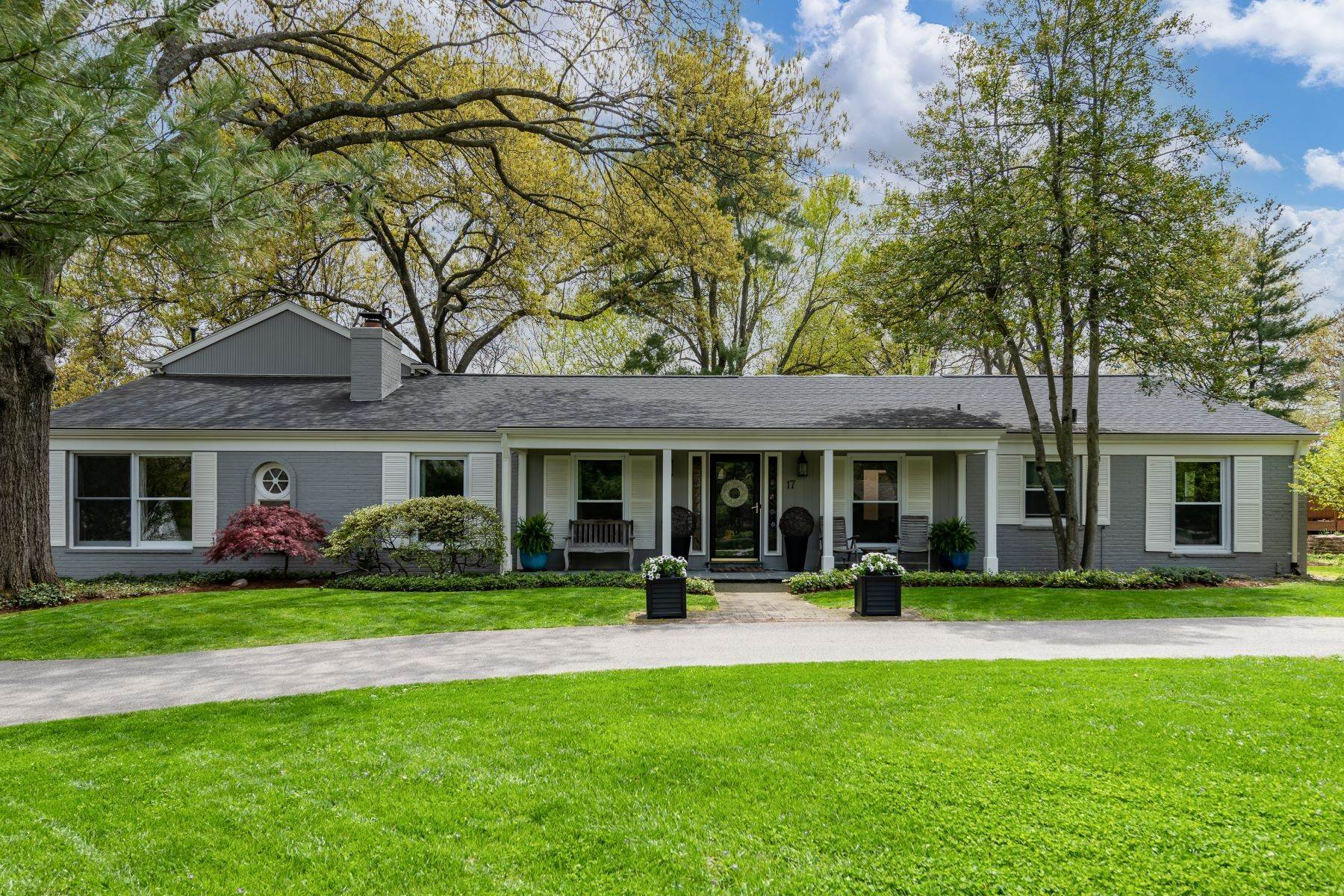 Property for Sale at Mid-Century Home in Creve Coeur 17 Colonial Hills Parkway Creve Coeur, Missouri 63141 United States