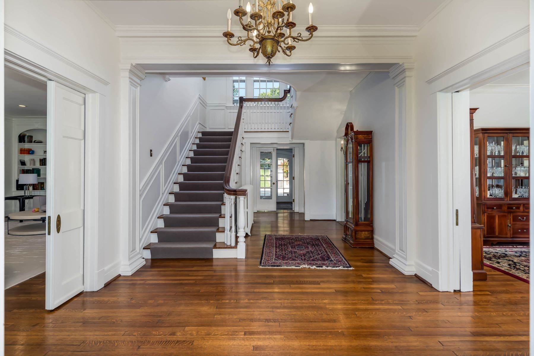 3. Single Family Homes for Sale at Gracious Historic Kirkwood Home 333 Dickson Street Kirkwood, Missouri 63122 United States