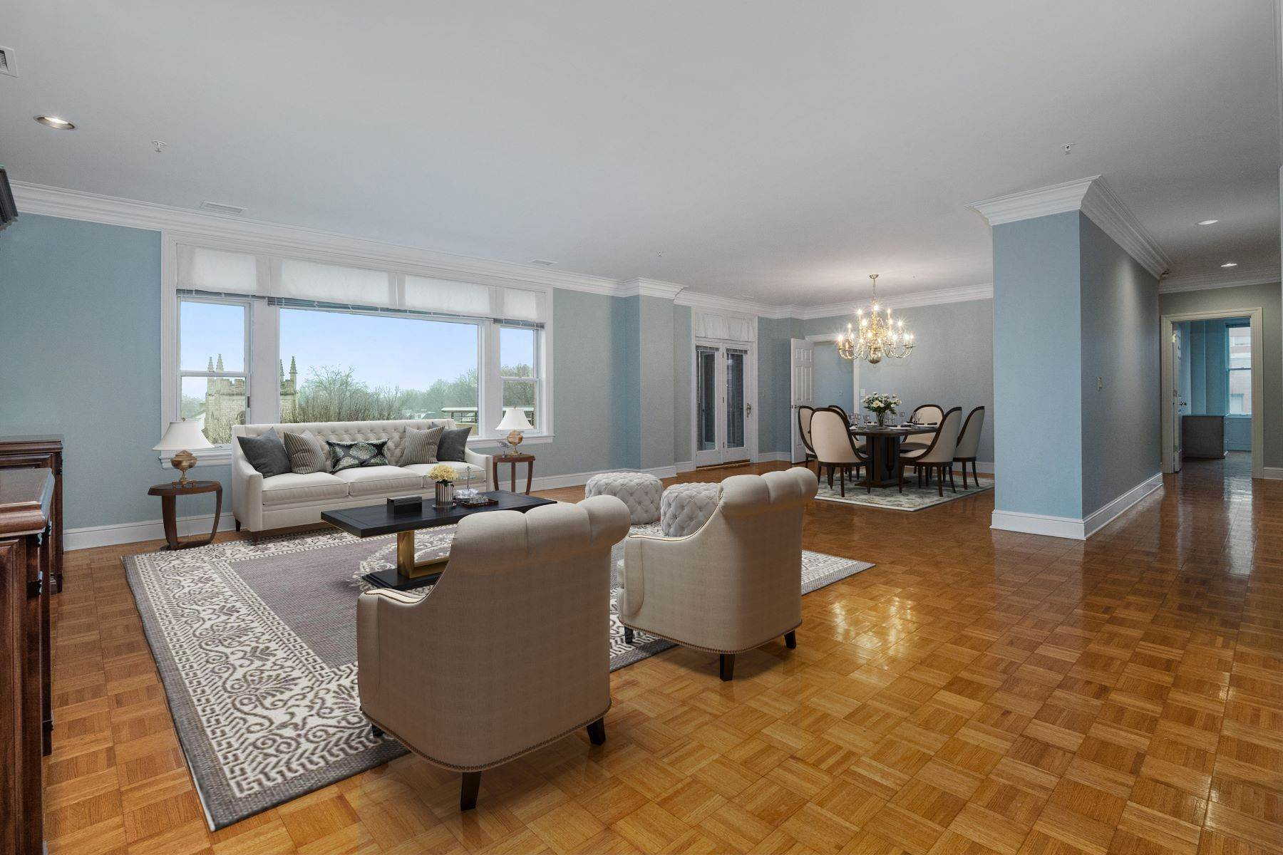 6. Condominiums for Sale at Gorgeous Clayton Condo with Private Balcony 800 South Hanley Road 4A Clayton, Missouri 63105 United States
