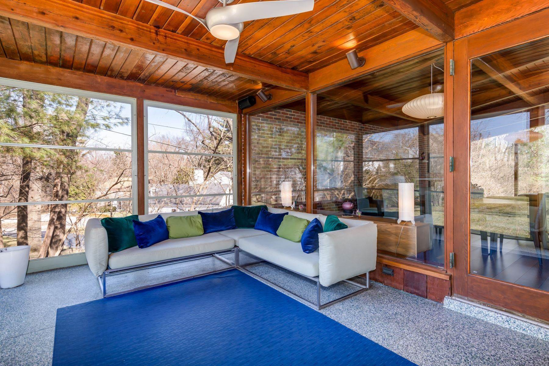 11. Single Family Homes for Sale at The Harry Hammerman House, an Important Mid-Century Masterpiece 219 Graybridge Road St. Louis, Missouri 63124 United States