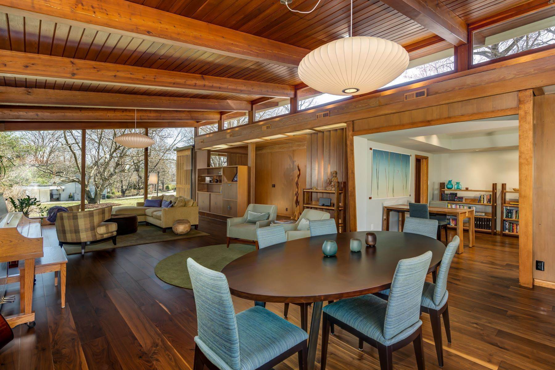 9. Single Family Homes for Sale at The Harry Hammerman House, an Important Mid-Century Masterpiece 219 Graybridge Road St. Louis, Missouri 63124 United States