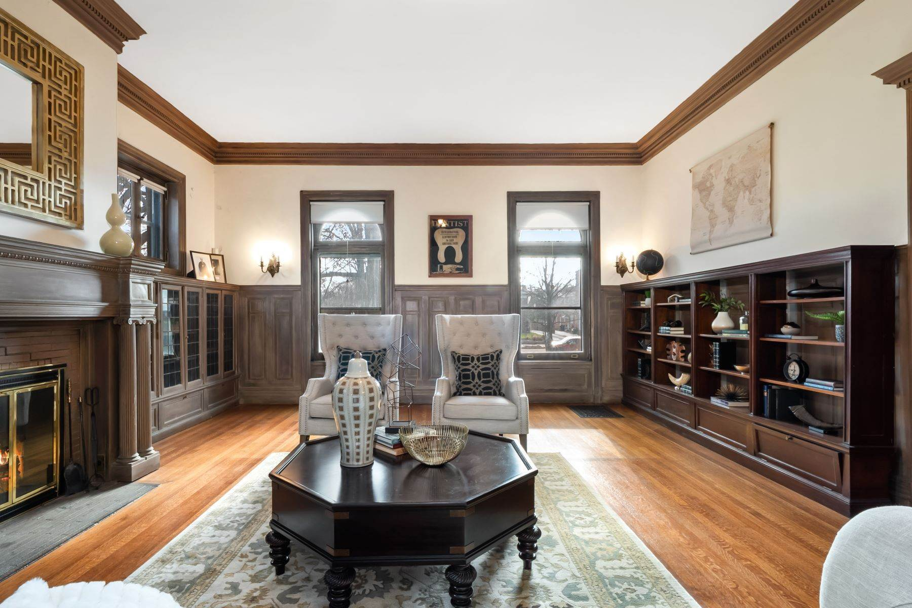 10. Single Family Homes for Sale at Central West End Manse 25 Westmoreland Place St. Louis, Missouri 63108 United States