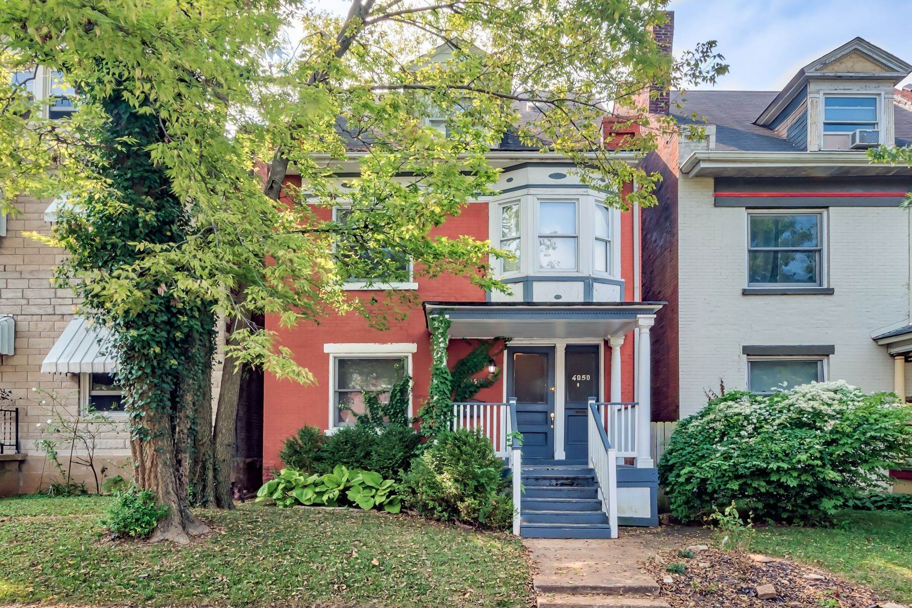 Single Family Homes for Sale at Fantastic Opportunity in Historic Shaw Neighborhood 4050 Russell Boulevard St. Louis, Missouri 63110 United States