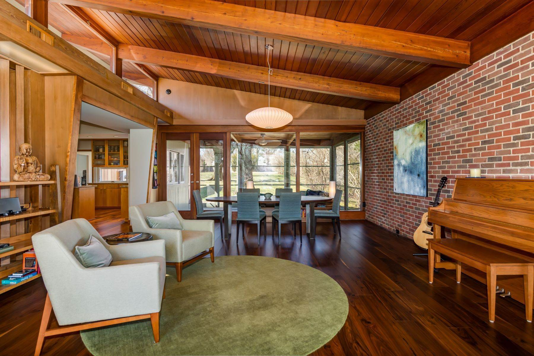6. Single Family Homes for Sale at The Harry Hammerman House, an Important Mid-Century Masterpiece 219 Graybridge Road St. Louis, Missouri 63124 United States