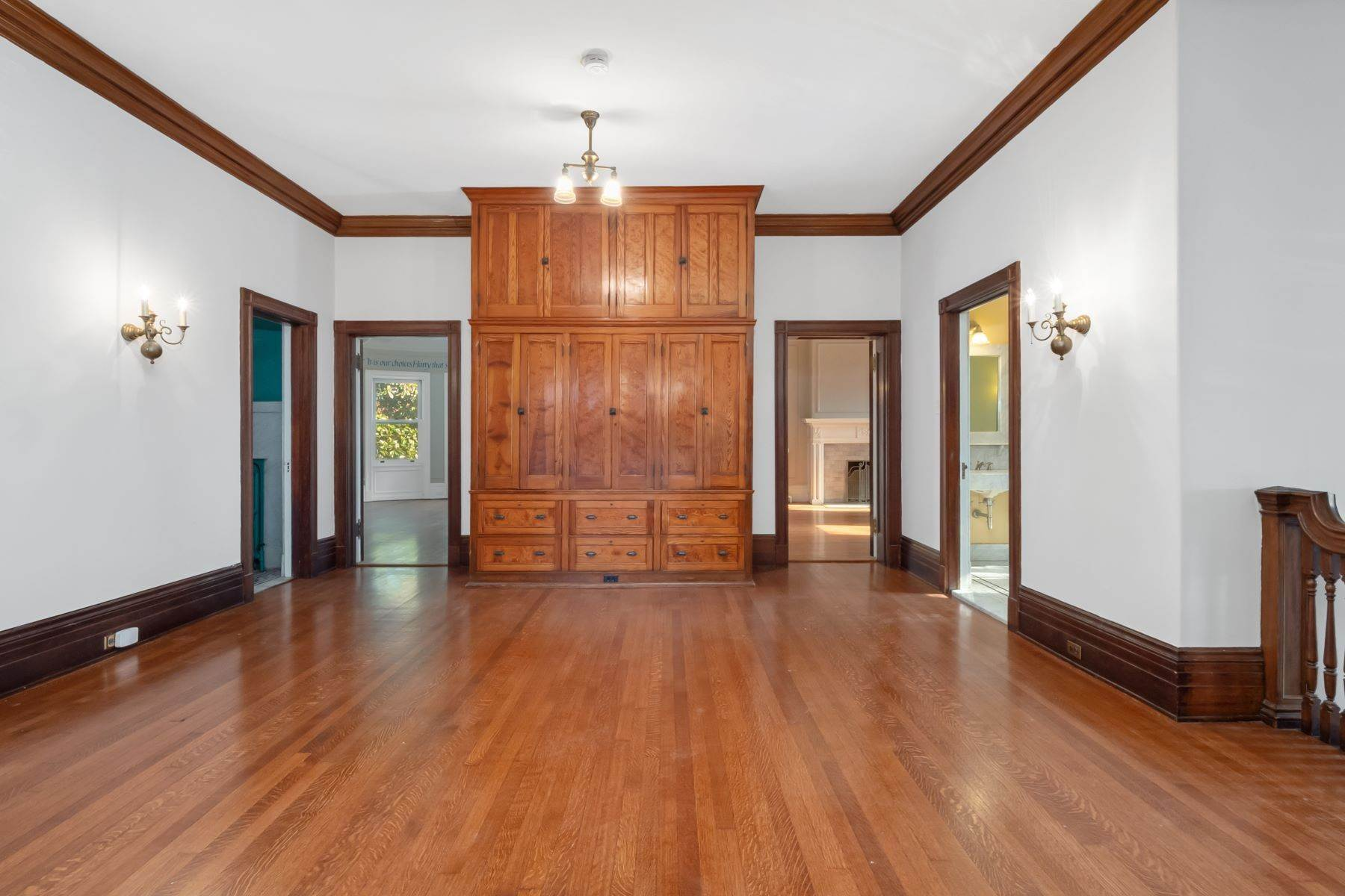 22. Single Family Homes for Sale at Central West End Manse 25 Westmoreland Place St. Louis, Missouri 63108 United States